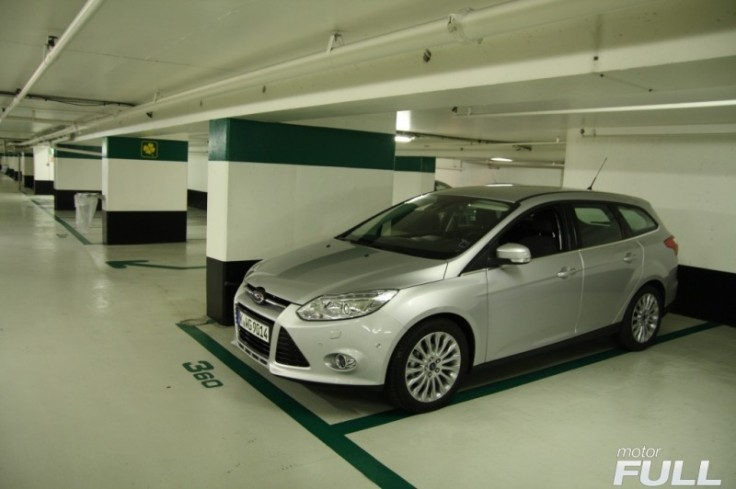 Ford-Focus-Sportbreak-1.6-TDCI-115-CV-Titanium-1-800x532