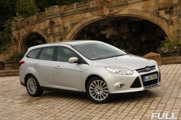 Ford-Focus-Sportbreak-1.6-TDCI-115-CV-Titanium-15-800x532