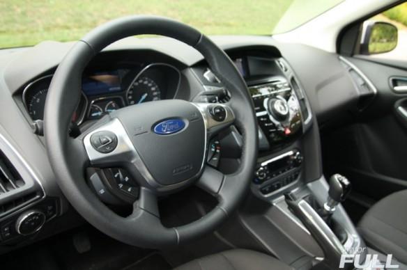Ford-Focus-Sportbreak-1.6-TDCI-115-CV-Titanium-23-800x532
