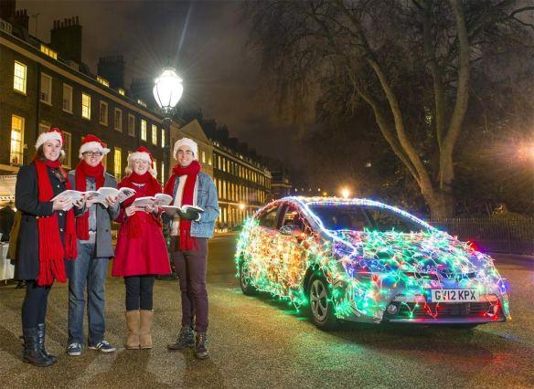 Toyota-Prius-Christmas-Lights-G1