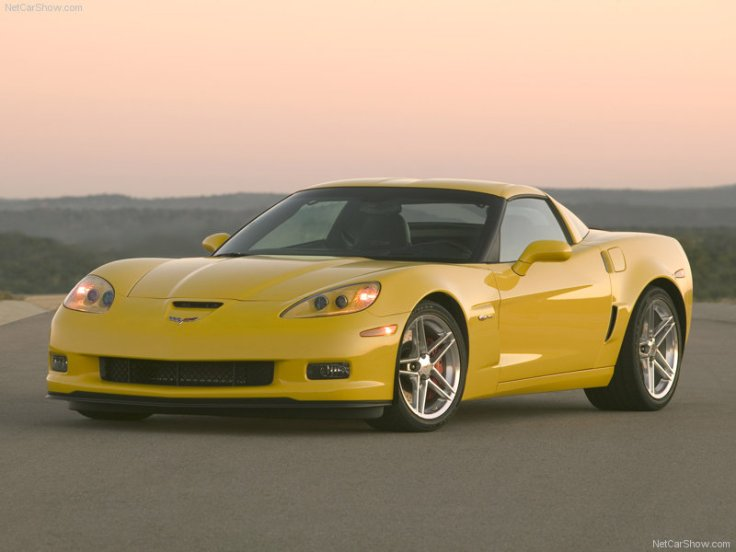 Chevrolet-Corvette_Z06_2006_800x600_wallpaper_02