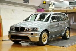 1322156309-BMW-X5