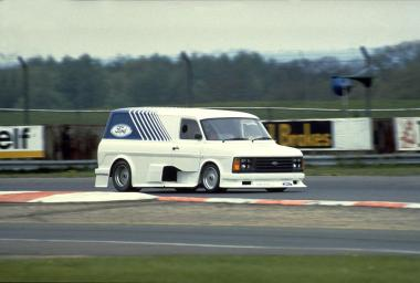 379350_002-1984-Supervan-2-based-on-the-mid-engine-Ford-C100-racing-sports-car-chassis.-It-had-a-F1-based-Cosworth-DFL-V8-engine-and-hit-174mph-at-the-Silverstone-GP-circuit