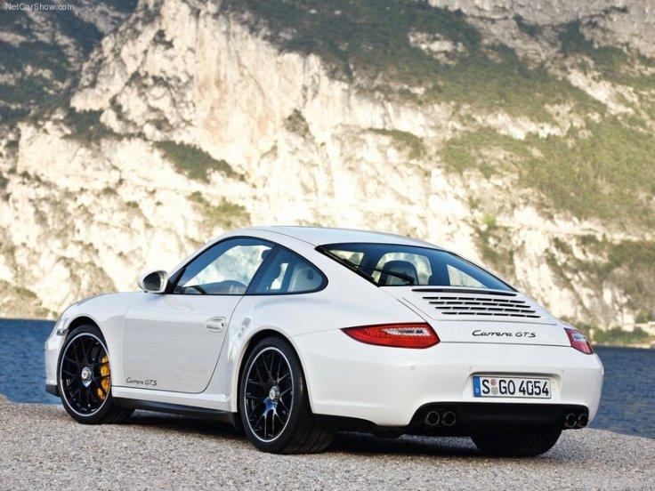 Porsche-911_Carrera_GTS_2011_800x600_wallpaper_0c