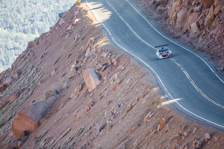 BMWSnfICUAAZNbX.jpg-large