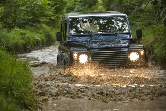Land-Rover-Defender-11[2]