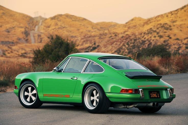 11-singer-911-green