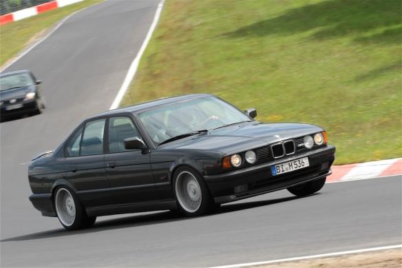 BMW E34 M5 1