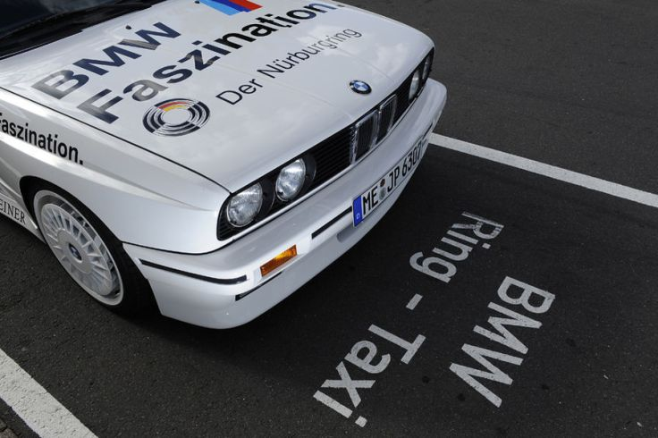 BMW-M3-E30-Ring-Taxi-Baujahr-1987-19-fotoshowImageNew-8c449cec-272611