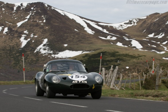 Jaguar-E-Type-Lightweight-Low-Drag-Coupe_10