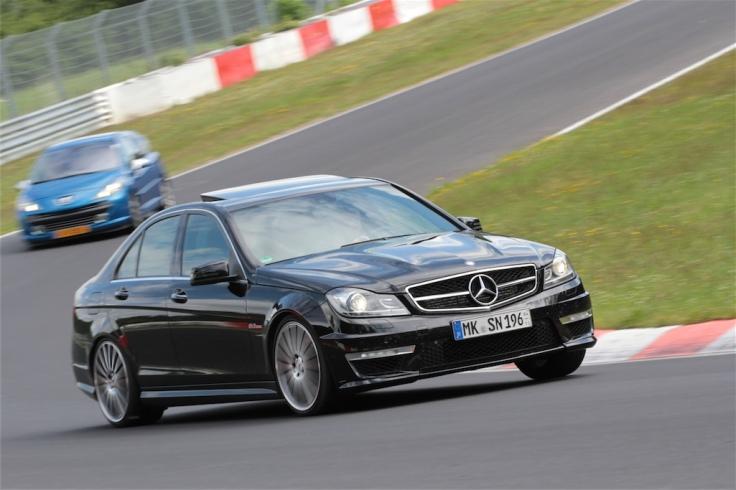 Mercedes-Benz C63 AMG 1