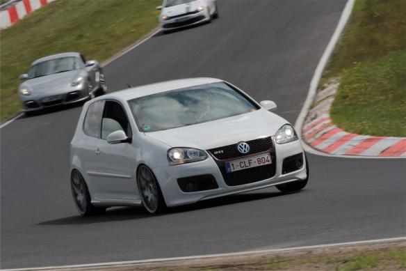 Volkswagen Golf 5 GTI 1
