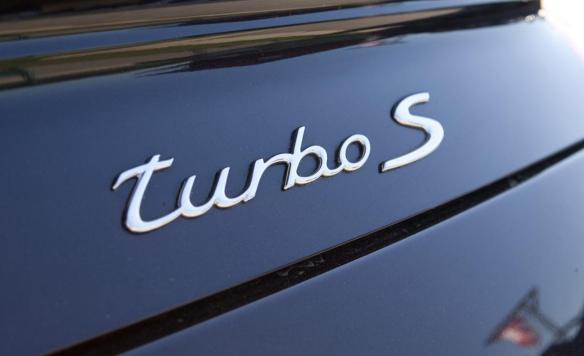 2011-porsche-911-turbo-s-rear-badge-photo-379053-s-1280x782